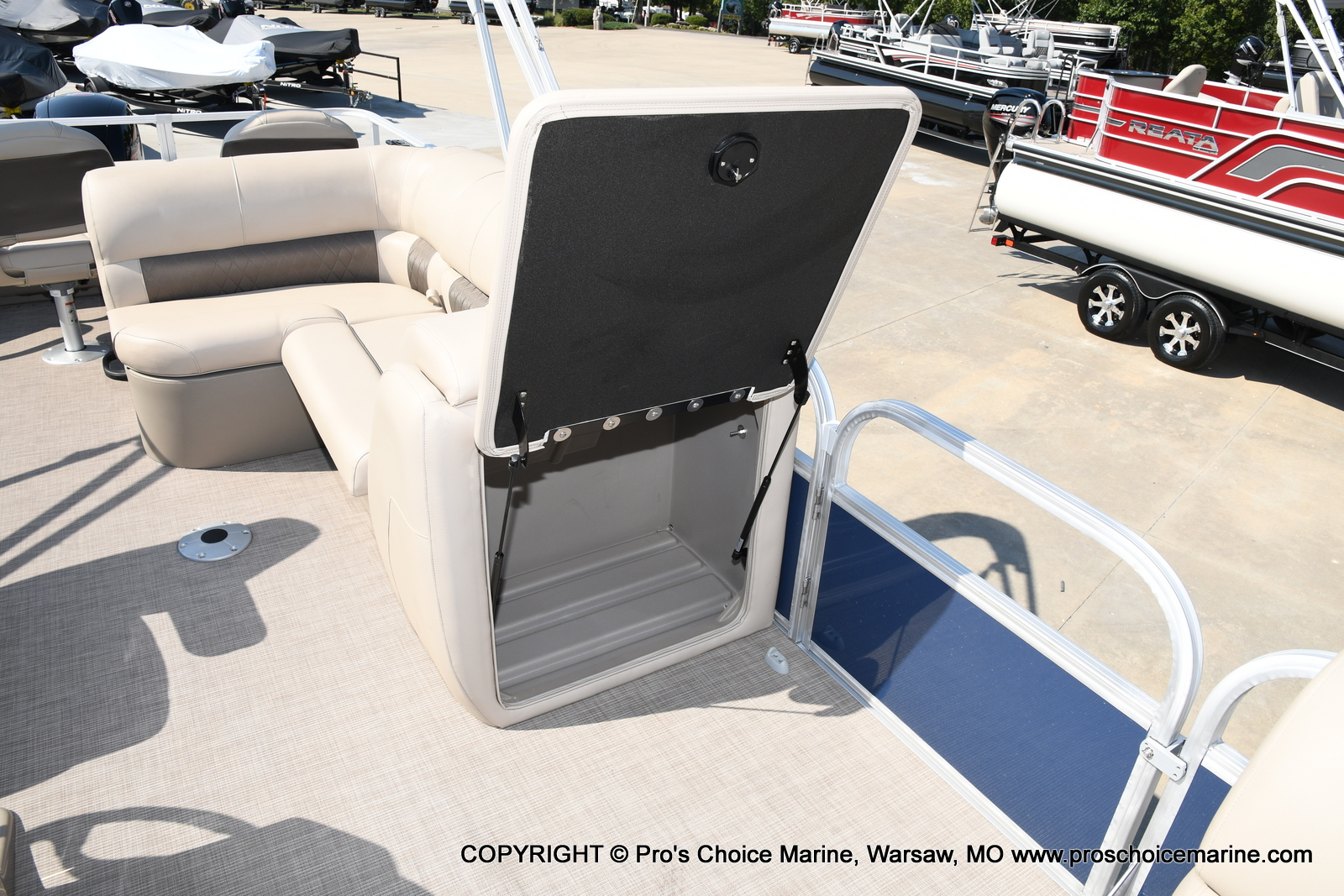 2021 Sun Tracker boat for sale, model of the boat is SPORTFISH 22 DLX w/115 Pro-XS & Image # 42 of 50