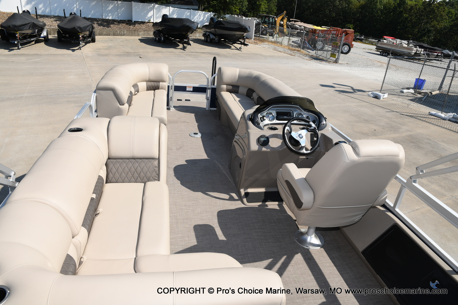 2021 Sun Tracker boat for sale, model of the boat is SPORTFISH 22 DLX w/115 Pro-XS & Image # 45 of 50