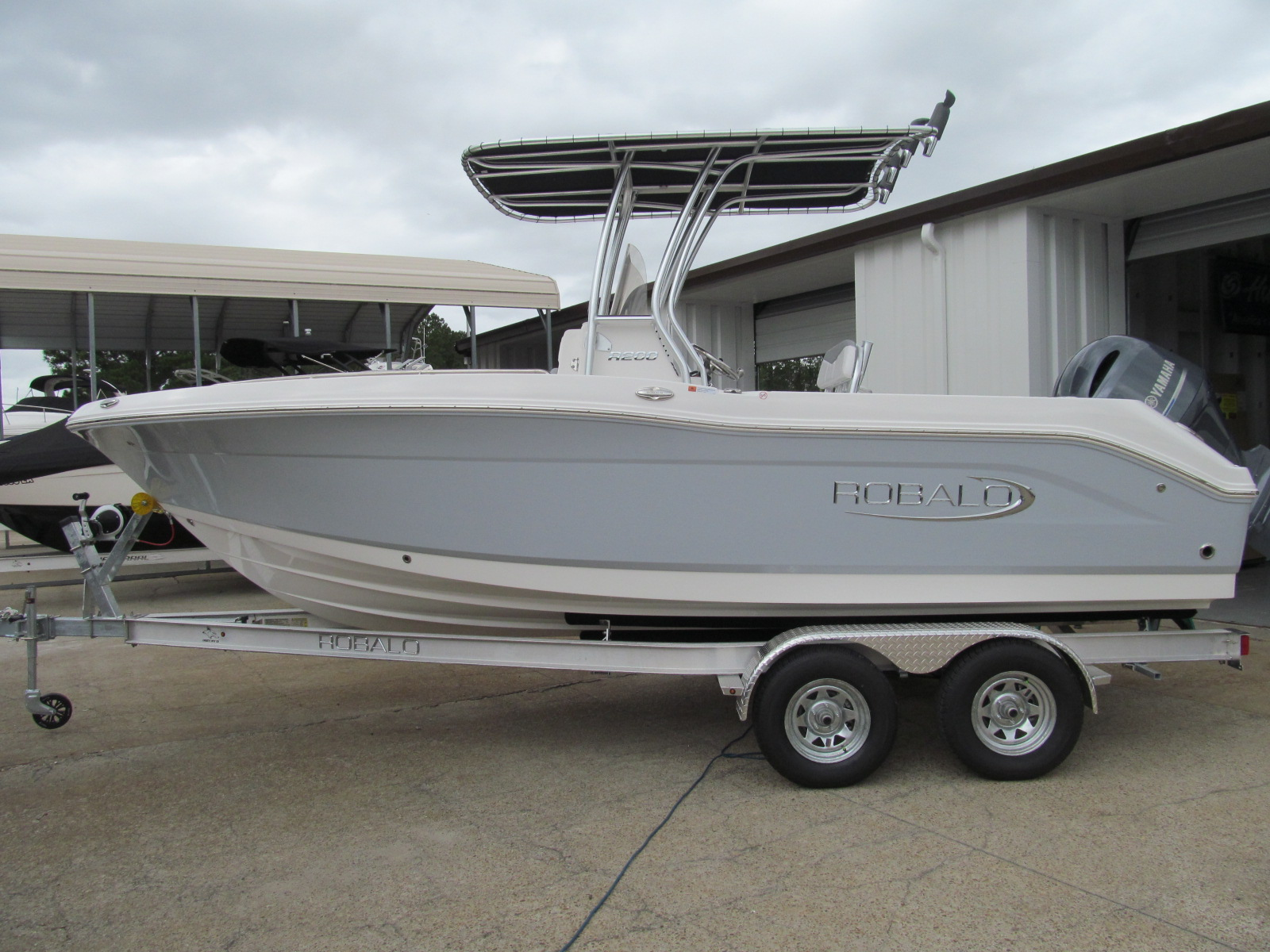 2021 ROBALO R200  In stock thumbnail
