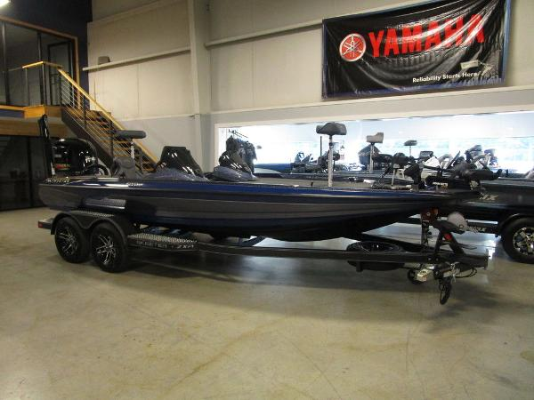 2021 Skeeter boat for sale, model of the boat is ZXR 20 & Image # 1 of 47