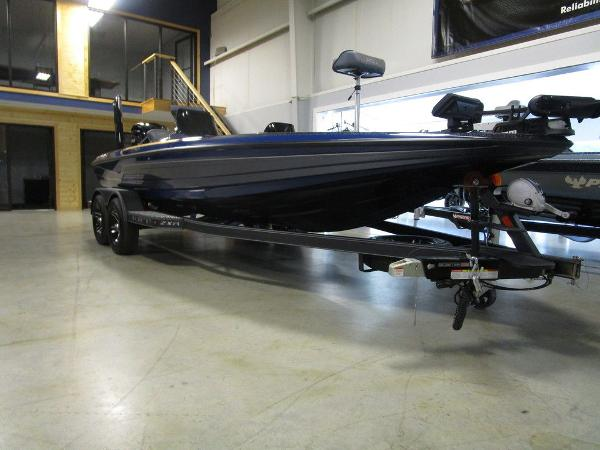 2021 Skeeter boat for sale, model of the boat is ZXR 20 & Image # 3 of 47