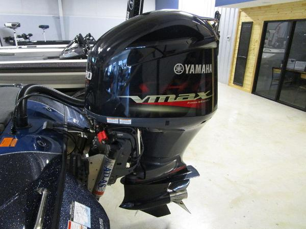 2021 Skeeter boat for sale, model of the boat is ZXR 20 & Image # 6 of 47