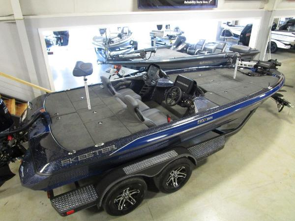 2021 Skeeter boat for sale, model of the boat is ZXR 20 & Image # 15 of 47