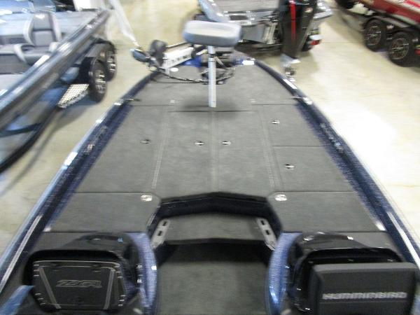2021 Skeeter boat for sale, model of the boat is ZXR 20 & Image # 24 of 47
