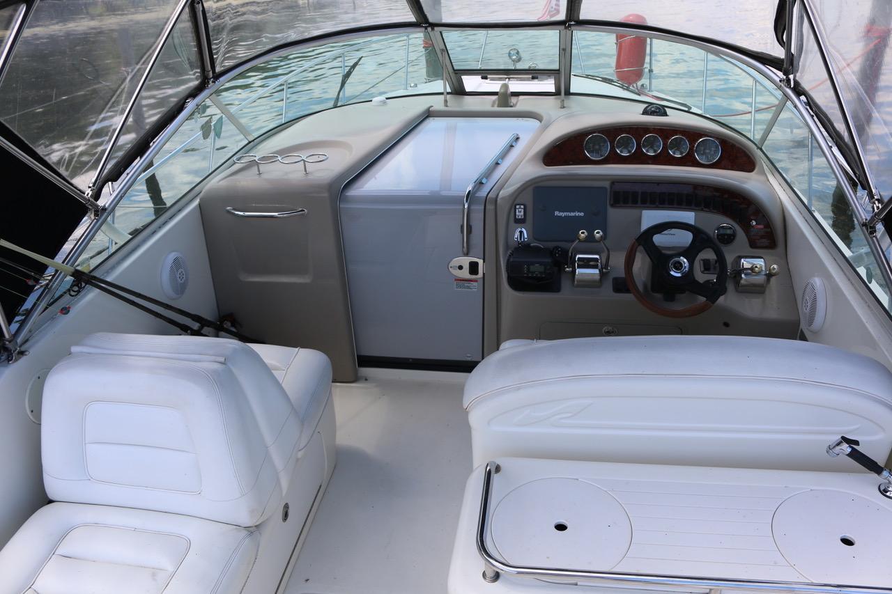 V 6256 BH Knot 10 Yacht Sales