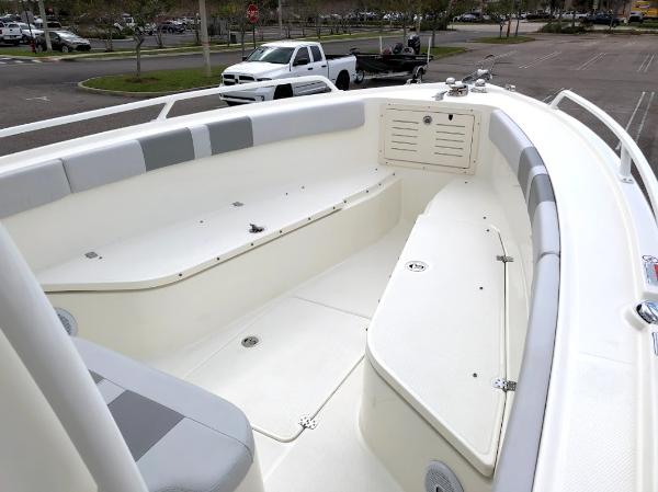 2020 Mako boat for sale, model of the boat is 284 CC & Image # 37 of 59