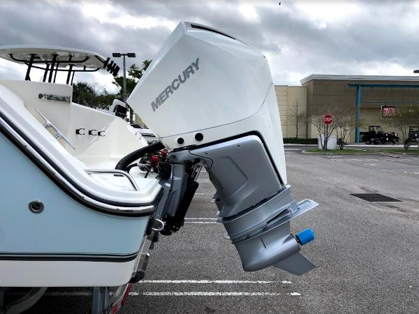 2020 Mako boat for sale, model of the boat is 284 CC & Image # 7 of 59