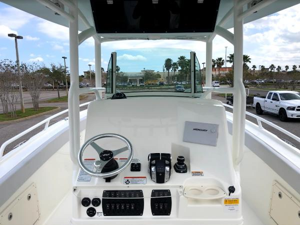 2020 Mako boat for sale, model of the boat is 284 CC & Image # 20 of 59