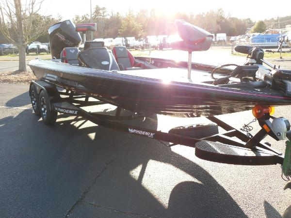 2020 Phoenix boat for sale, model of the boat is 919 ProXP & Image # 11 of 21