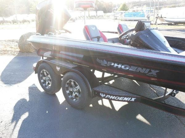 2020 Phoenix boat for sale, model of the boat is 919 ProXP & Image # 12 of 21