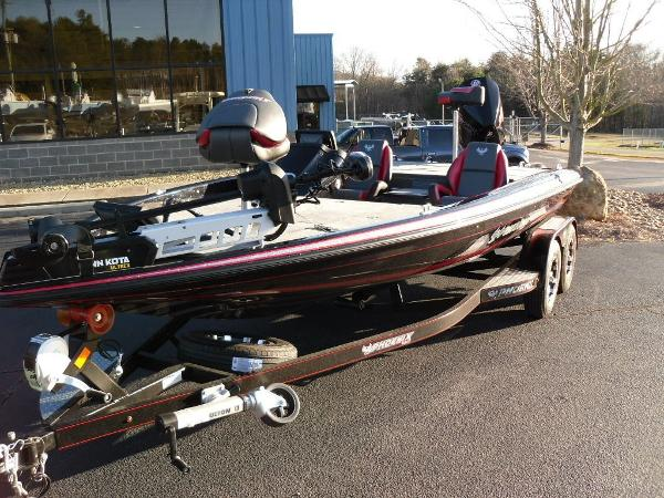 2020 Phoenix boat for sale, model of the boat is 919 ProXP & Image # 15 of 21