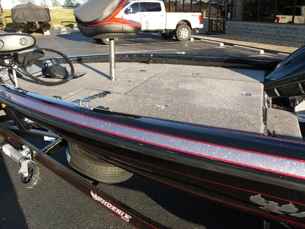 2020 Phoenix boat for sale, model of the boat is 919 ProXP & Image # 17 of 21