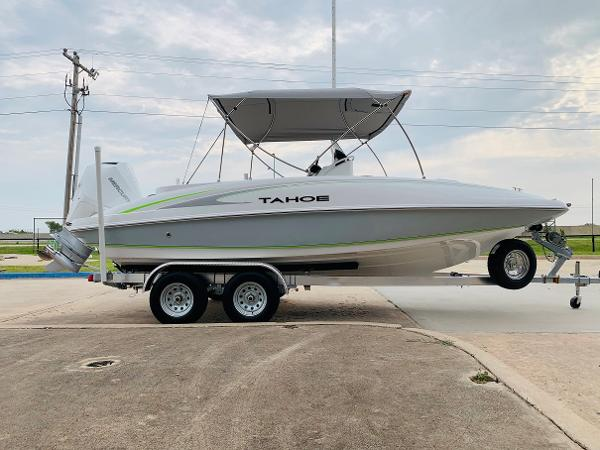 2021 Tahoe boat for sale, model of the boat is 2150 CC & Image # 6 of 54