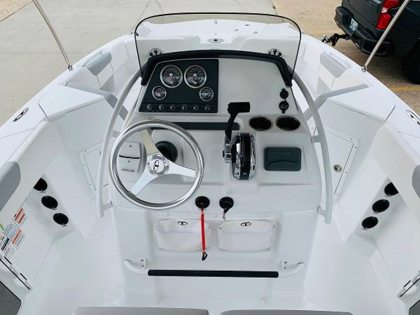 2021 Tahoe boat for sale, model of the boat is 2150 CC & Image # 10 of 54