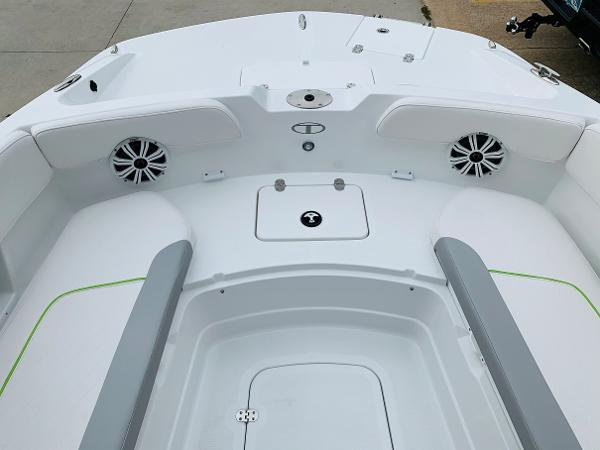 2021 Tahoe boat for sale, model of the boat is 2150 CC & Image # 18 of 54