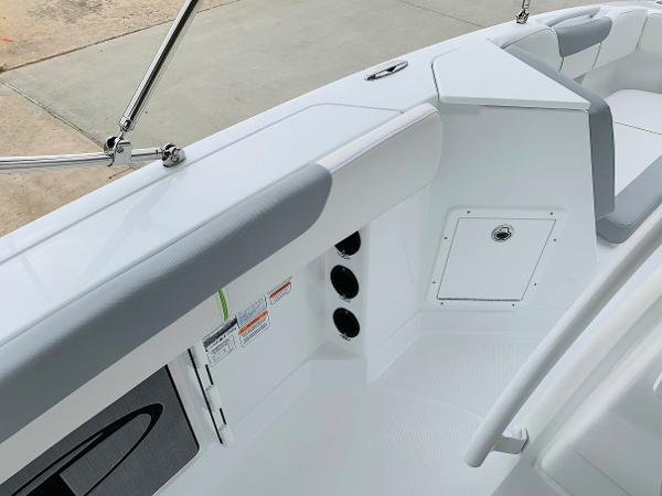 2021 Tahoe boat for sale, model of the boat is 2150 CC & Image # 23 of 54