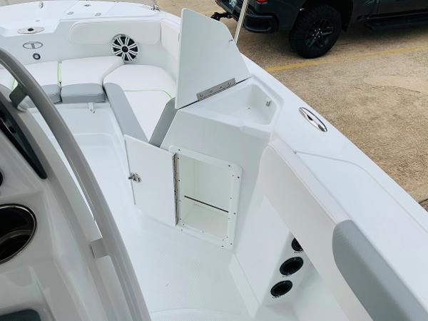 2021 Tahoe boat for sale, model of the boat is 2150 CC & Image # 28 of 54