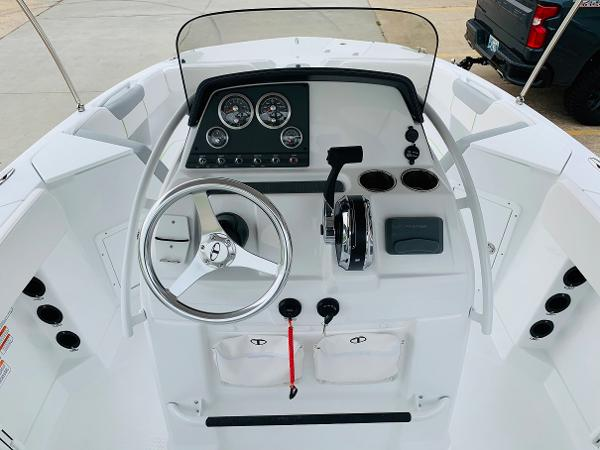 2021 Tahoe boat for sale, model of the boat is 2150 CC & Image # 31 of 54