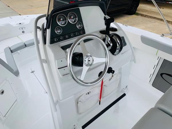 2021 Tahoe boat for sale, model of the boat is 2150 CC & Image # 32 of 54