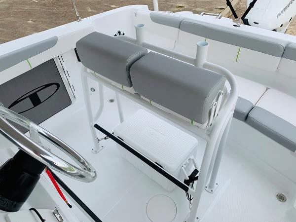 2021 Tahoe boat for sale, model of the boat is 2150 CC & Image # 35 of 54