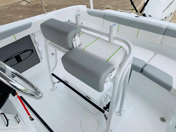 2021 Tahoe boat for sale, model of the boat is 2150 CC & Image # 36 of 54