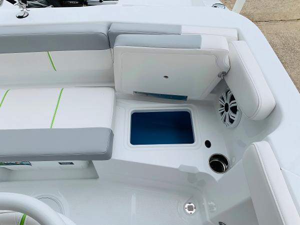 2021 Tahoe boat for sale, model of the boat is 2150 CC & Image # 39 of 54