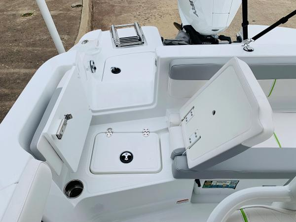 2021 Tahoe boat for sale, model of the boat is 2150 CC & Image # 44 of 54