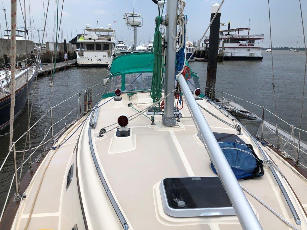 Self tending staysail w/Hoyt Boom