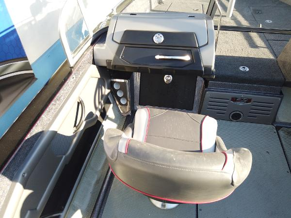 2017 Ranger Boats boat for sale, model of the boat is 621FS Fisherman & Image # 10 of 15