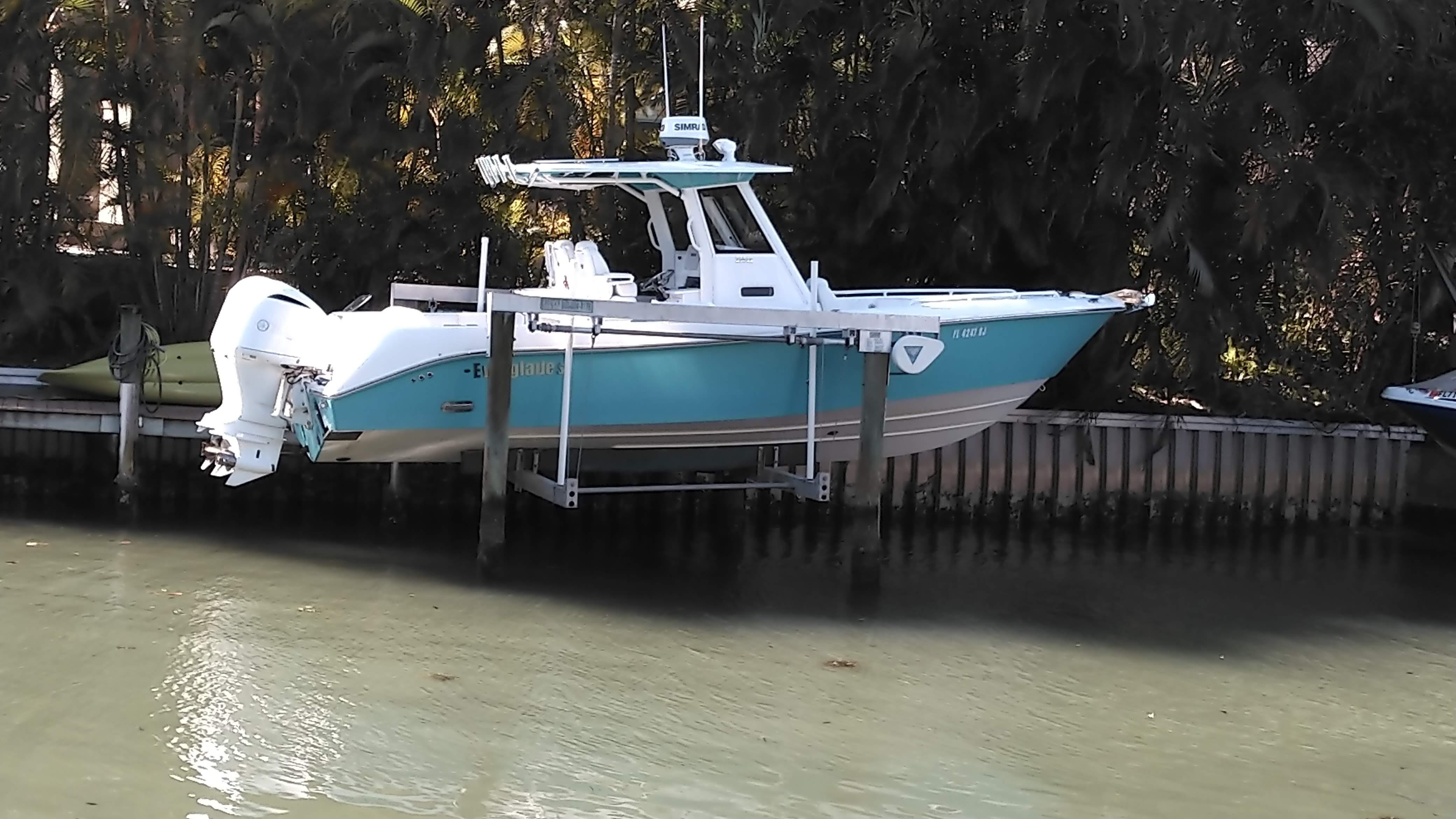2016 Everglades 295 CC