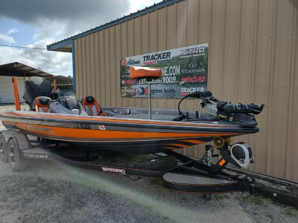 2017 Phoenix boat for sale, model of the boat is 919 ProXP & Image # 2 of 23