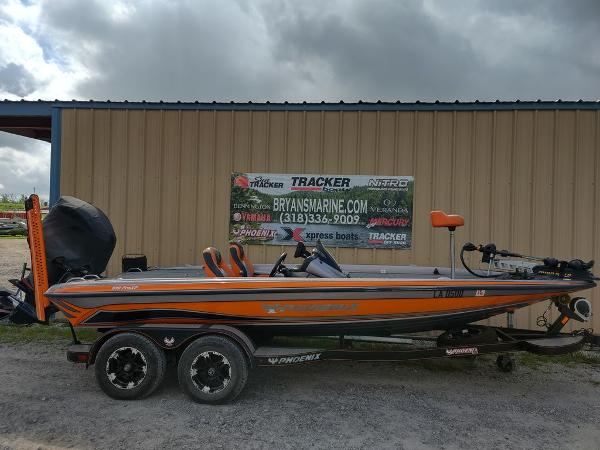 2017 Phoenix boat for sale, model of the boat is 919 ProXP & Image # 3 of 23