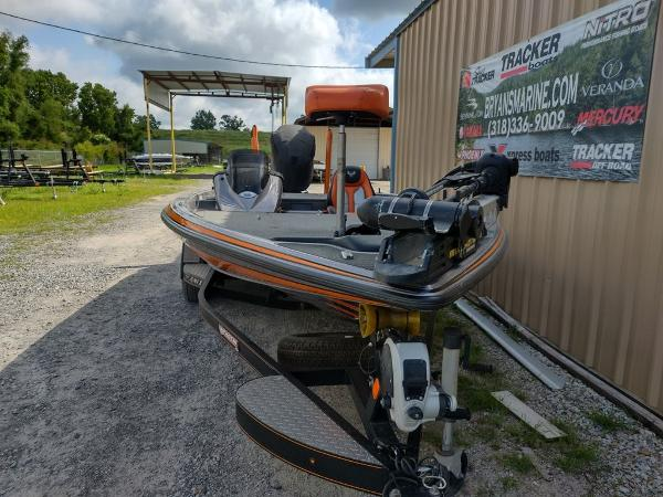 2017 Phoenix boat for sale, model of the boat is 919 ProXP & Image # 5 of 23