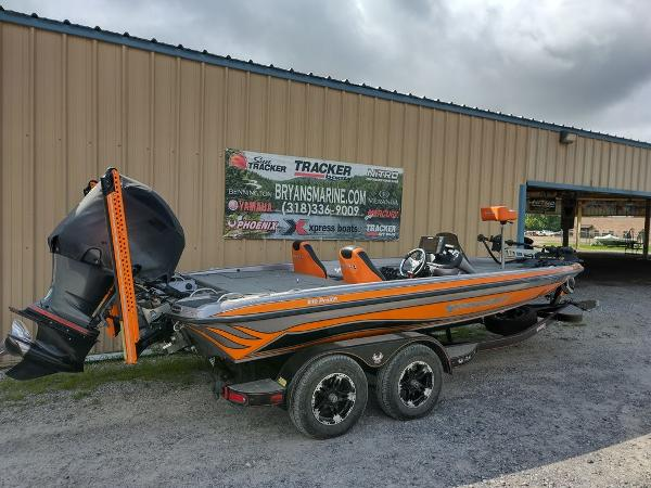 2017 Phoenix boat for sale, model of the boat is 919 ProXP & Image # 8 of 23