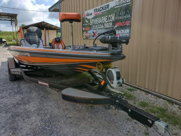 2017 Phoenix boat for sale, model of the boat is 919 ProXP & Image # 22 of 23