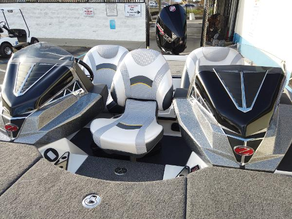 2021 Ranger Boats boat for sale, model of the boat is Z520L RANGER CUP EQUIPPED & Image # 9 of 10