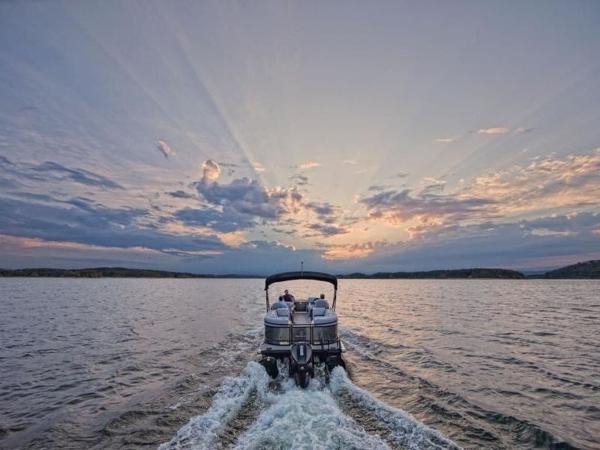 2021 Regency boat for sale, model of the boat is 230 DL3 & Image # 3 of 54
