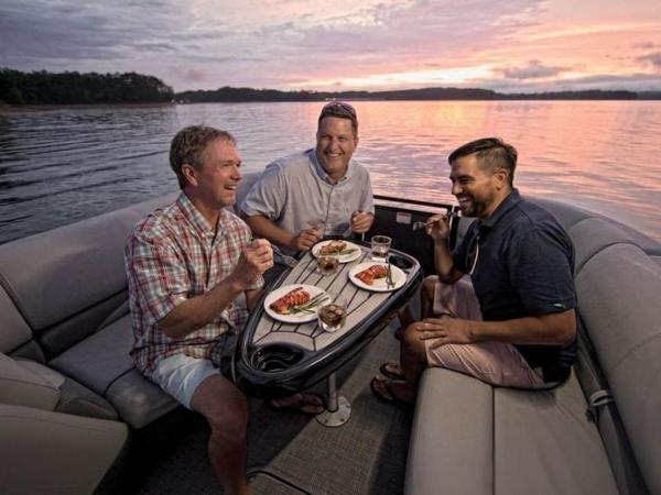 2021 Regency boat for sale, model of the boat is 230 DL3 & Image # 18 of 54