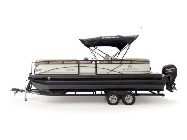2021 Regency boat for sale, model of the boat is 230 DL3 & Image # 29 of 54