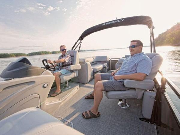 2021 Regency boat for sale, model of the boat is 230 DL3 & Image # 30 of 54