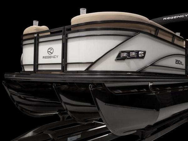 2021 Regency boat for sale, model of the boat is 230 DL3 & Image # 33 of 54