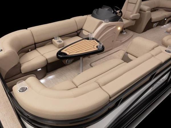 2021 Regency boat for sale, model of the boat is 230 DL3 & Image # 37 of 54