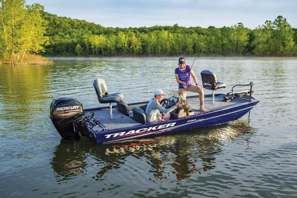 2020 Tracker Boats boat for sale, model of the boat is Pro 170 & Image # 2 of 10