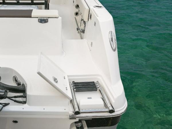 2022 Robalo boat for sale, model of the boat is R242EX & Image # 5 of 26