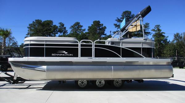 2021 Bennington boat for sale, model of the boat is 20 SVSR & Image # 4 of 43