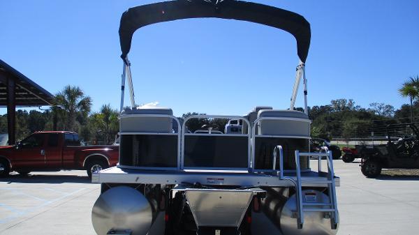 2021 Bennington boat for sale, model of the boat is 20 SVSR & Image # 8 of 43