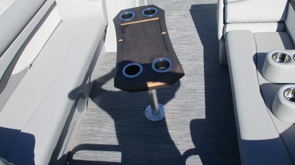 2021 Bennington boat for sale, model of the boat is 20 SVSR & Image # 9 of 43