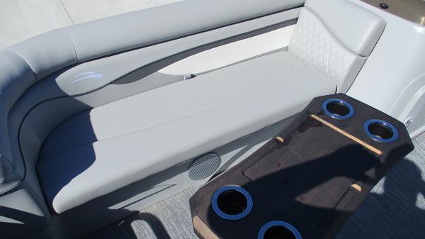 2021 Bennington boat for sale, model of the boat is 20 SVSR & Image # 11 of 43