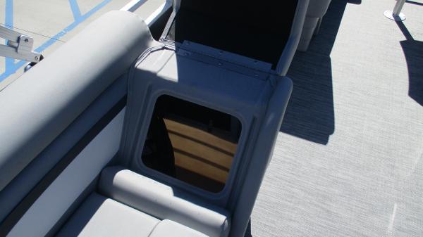 2021 Bennington boat for sale, model of the boat is 20 SVSR & Image # 22 of 43