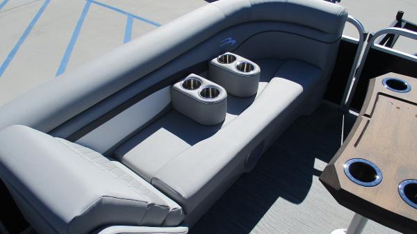 2021 Bennington boat for sale, model of the boat is 20 SVSR & Image # 30 of 43